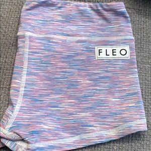 "Fleo ""Bubblegum"" Booty shorts XL"